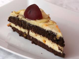Šlehačkový dort s nektarinkami