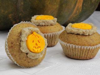 Halloweenské oříškové cupcakes