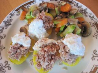 Pečené brambory s tuňákem