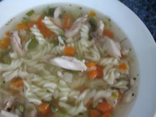 Rychlá kuřecí polévka z parního hrnce