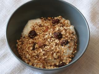 Oříšková granola