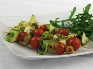 Grilované zeleninové špízy s pestem