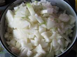 10:00 Příprava cibule - kolik je masa, tolik je cibule