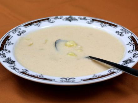 Bramborová kyselá polévka