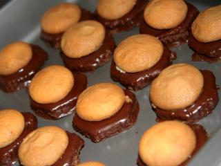 Nepečené čokoládové jednohubky