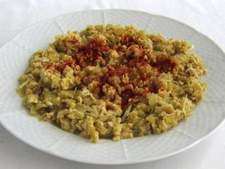Dušená paprika s vejcem