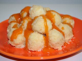 Trvarohové knedlíčky s meruňkovou omáčkou
