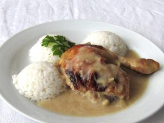 Zázvorovo-medové kuře na hruškách
