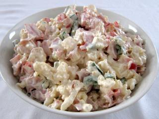 Květákový smetanovo-majonézový salát