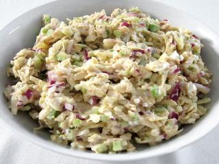 Tuňákový salát s řapíkatým celerem