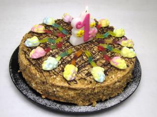 Medový narozeninový dort