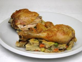 Kuře na zeleninové nádivce s cizrnou