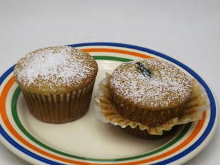 Medové muffiny se švestkami