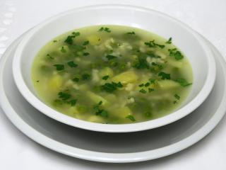 Hrášková polévka se strouháním