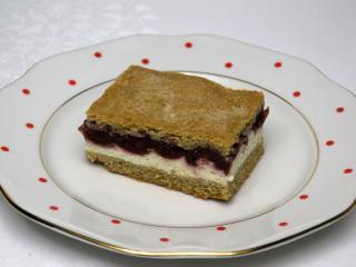 Tvarohový koláč s višněmi