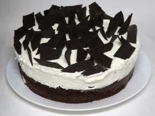Šlehačkový dort s tvarohovými kuličkami