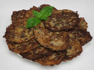 Fazolové bramboráky s bazalkou