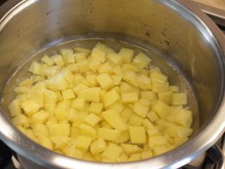 Uvaříme brambory