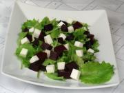 Salát z červené řepy s kozím sýrem