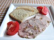 Domácí vepřová šunka s olivami