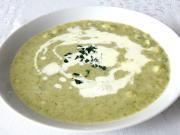 Brokolicová polévka s celerovými haluškami