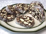 Piškotový salám s ořechy a kokosem