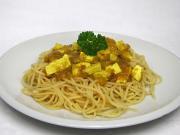 Kurkuma pikantní tofu se špagetami