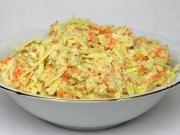 Zelný salát s čedarem