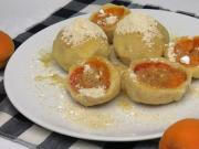 Meruňkové knedlíky z tvarohového těsta