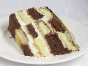 Mascarpone šachovnicový dort s banány