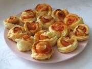 Cheddarové šunkové růžičky
