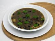 Houbová polévka s černými fazolemi